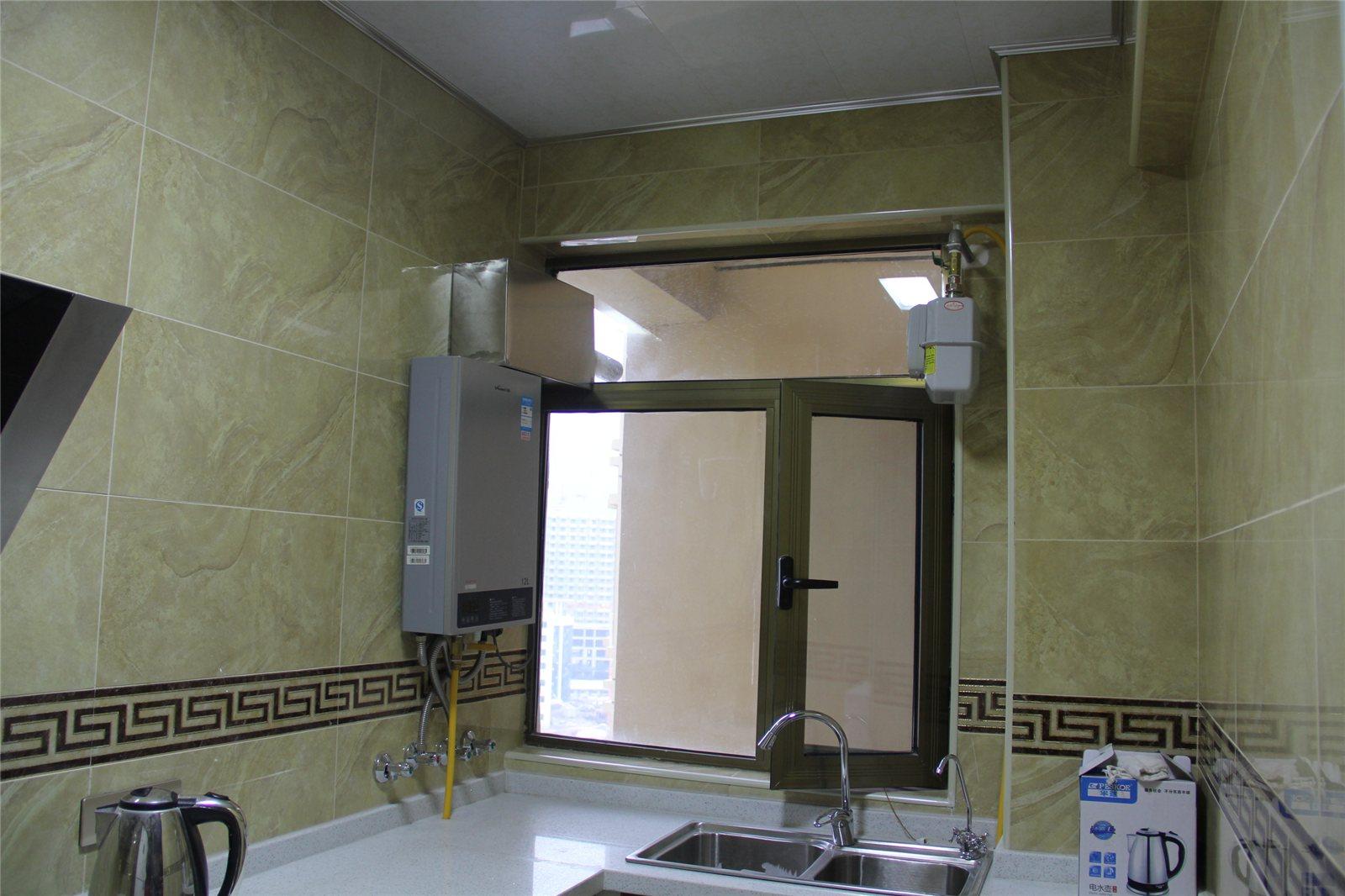 马可波罗瓷砖案例——卫生间 客厅面积:18平方米 地面,墙面铺贴瓷砖