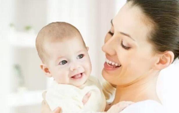 【可爱可亲】给宝宝洗澡的基本步骤