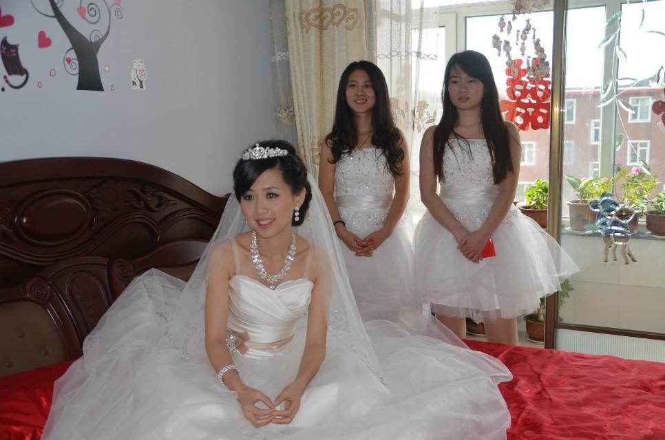 婚礼姐妹花 伴娘也优雅