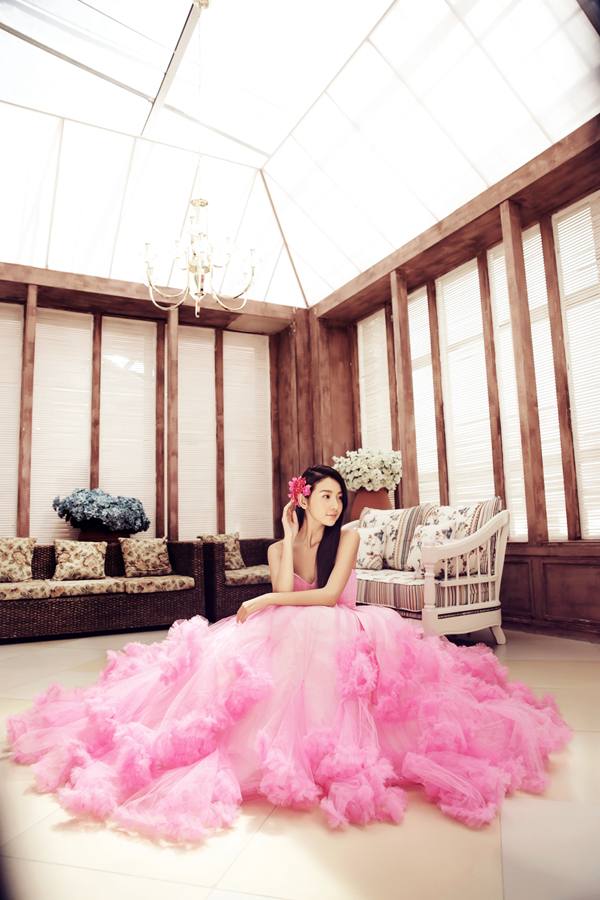 木屋背景主题—室内婚纱摄影样片