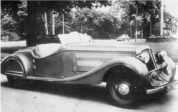 Hansa 1100和1700轿车的成功也引领了同时期的福特和欧宝等竞争对手相继开发类似车型,由于博格瓦德与泰科伦博格在公司运营等方面产生巨大分歧,两人关系逐渐恶化,最终博格瓦德在1937年对公司共同持股人泰科伦博格作出了赔偿,最终成为了Borgward品牌的唯一所有人,公司名称更改为博格瓦德-汉莎-罗伊德-歌利亚工厂。