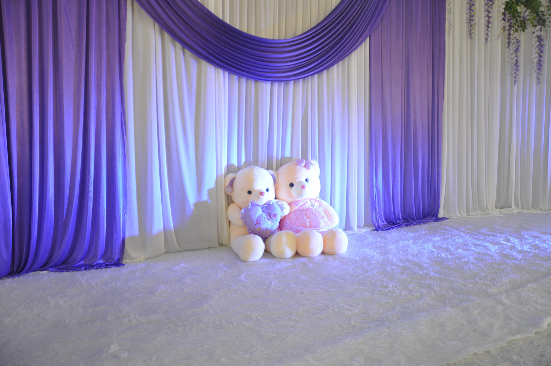 紫色店铺装修风格