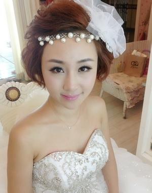 短发新娘怎么拍婚纱照最美?