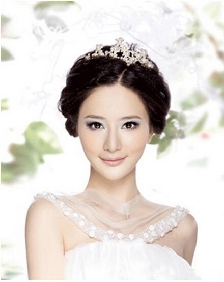 新娘妆的画法 新娘必定是全场瞩目的焦点