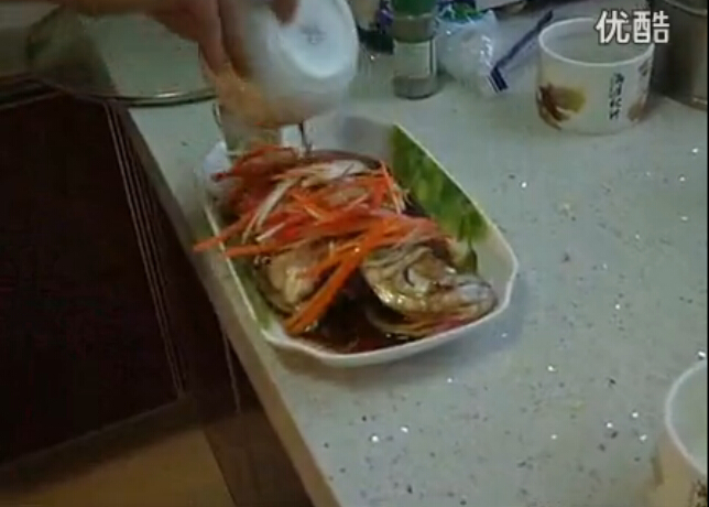 私房菜:清蒸鲈鱼 红烧排骨