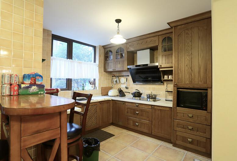 饭厅和厨房挨着装修图片