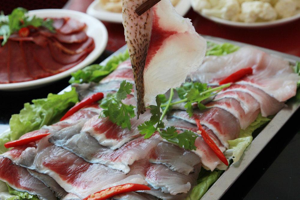 正红木桶鱼4-6人!吃