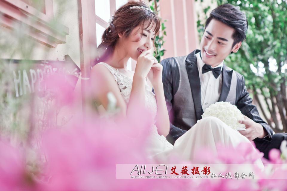 梦中的婚礼,分享快乐,定格瞬间,艾薇婚纱摄影, 私人定制:原价6999元,团购价5999元。