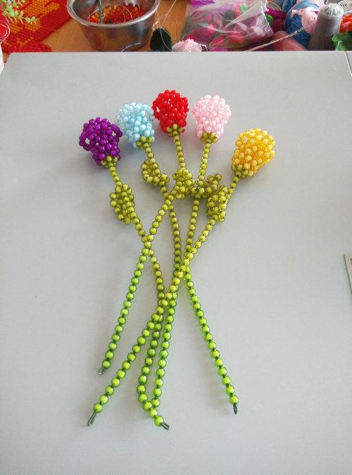 由学生纯手工玫瑰花串珠礼品工艺品