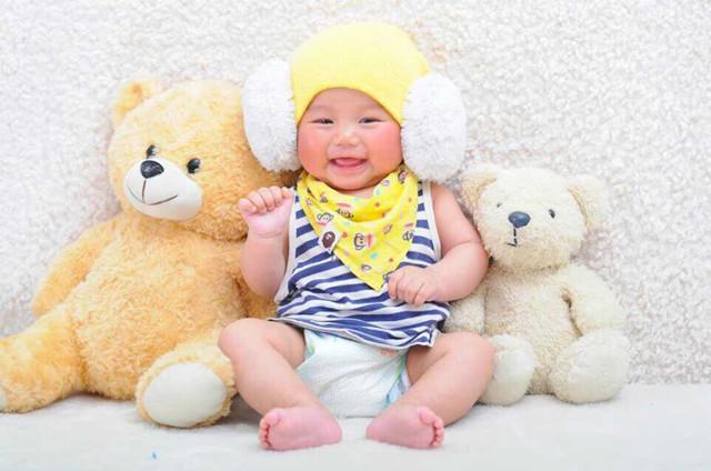 黎潘迪 宝贝昵称:潘迪 宝贝性别:男 宝贝年龄:7个月 父母寄语:因为有
