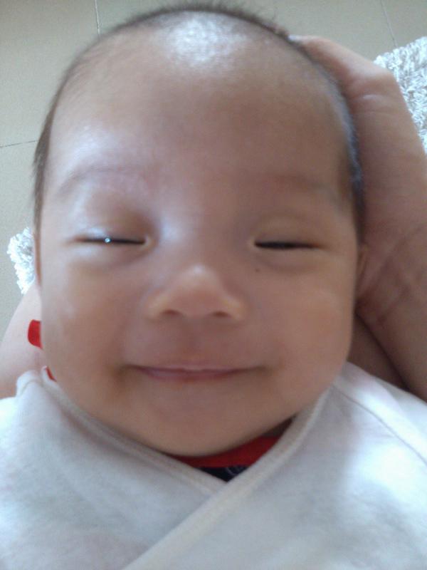 宝宝 壁纸 孩子 小孩 婴儿 600_800 竖版 竖屏 手机