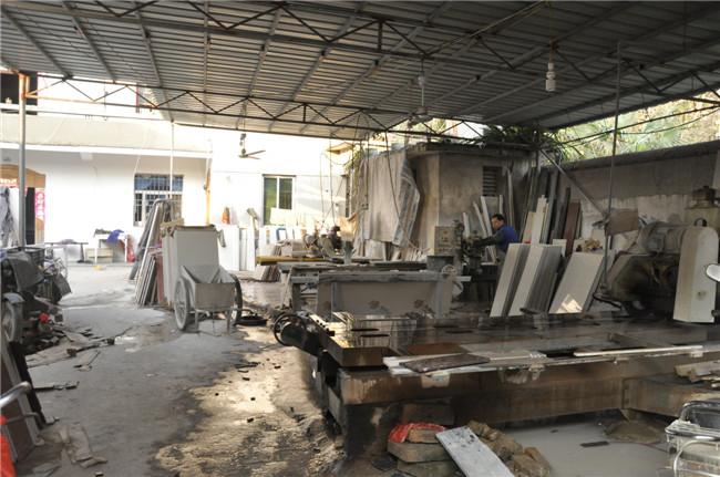大型专业的石材加工厂,专业的技术施工人员.质量有保障,价格实惠.图片